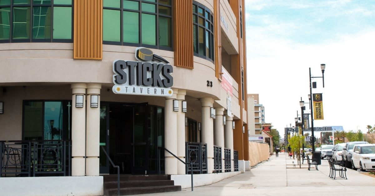 New Locally-Owned Sports Bar Drops the Puck in Henderson, Off The Strip