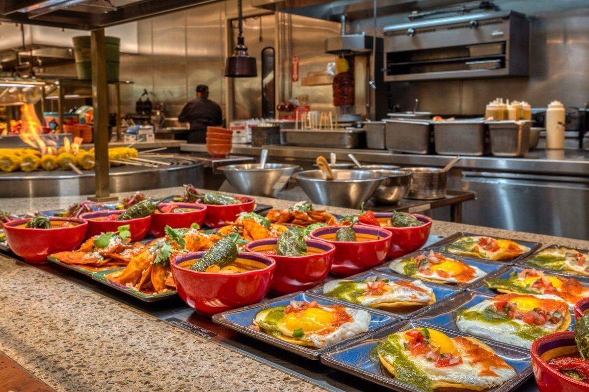 brunch-buffet-caesars