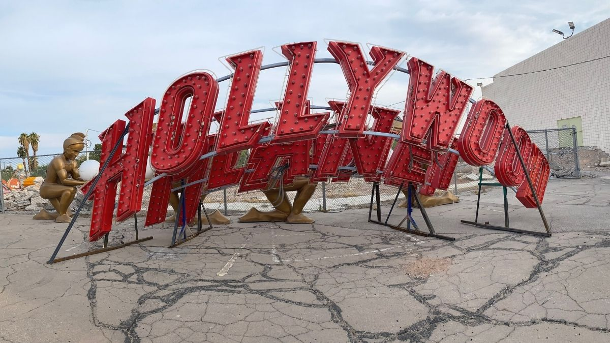 planet-hollywood-sign-neon-museum